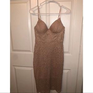 Light pink midi lace dress from Windsor (size M)